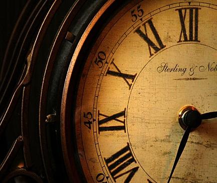 old-fashioned-mantle-clock-sarah-broadmeadow-thomas